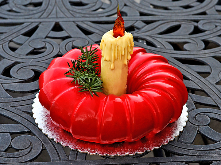 christmas wrest mousse cake mirror glaze